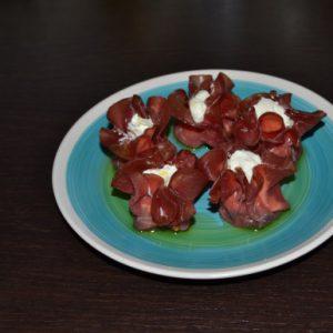 Fagottini di bresaola e spinaci